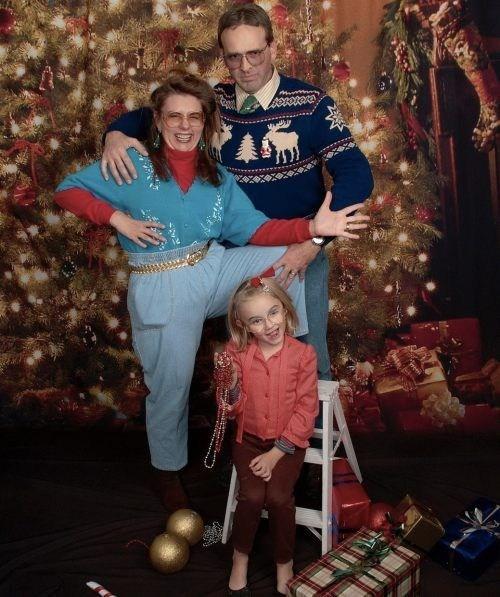 christmas wtf creepy family funny holidays g rated sketchy santas - 6881461504