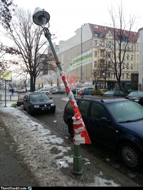 street light,berlin,lamppost