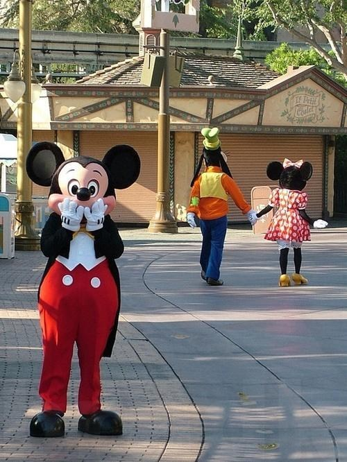 minnie mouse mickey mouse how could you goofy dating fails g rated - 6891205888