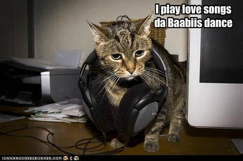 I play love songs da Baabiis dance