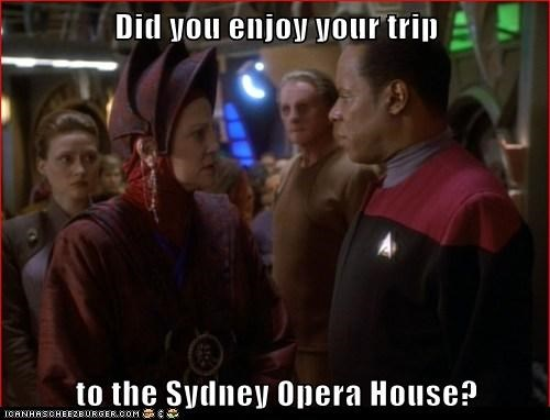 captain sisko,souvenirs,sydney opera house,enjoy,avery brooks,Star Trek,trip,Deep Space Nine