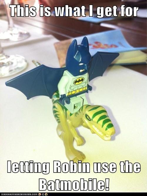 batmobile robin dinosaur batman - 6900317696
