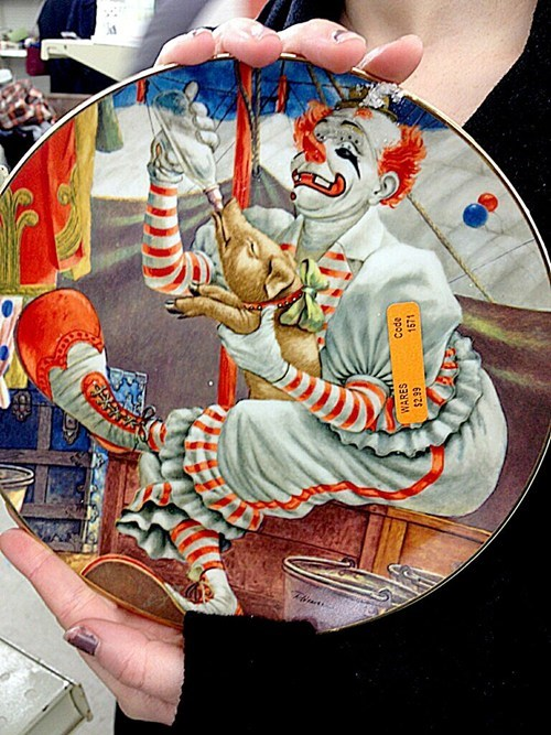 do not want,clown,plate,creepy,pig,nightmare fuel,antique