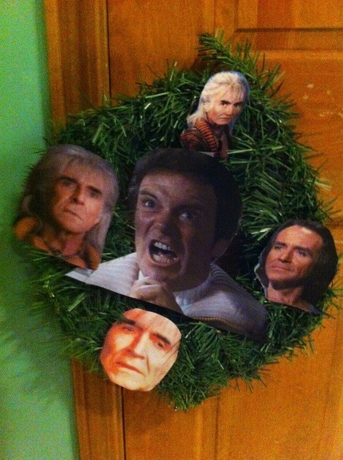 Captain Kirk,khan,wreath,William Shatner,Ricardo Montalbán