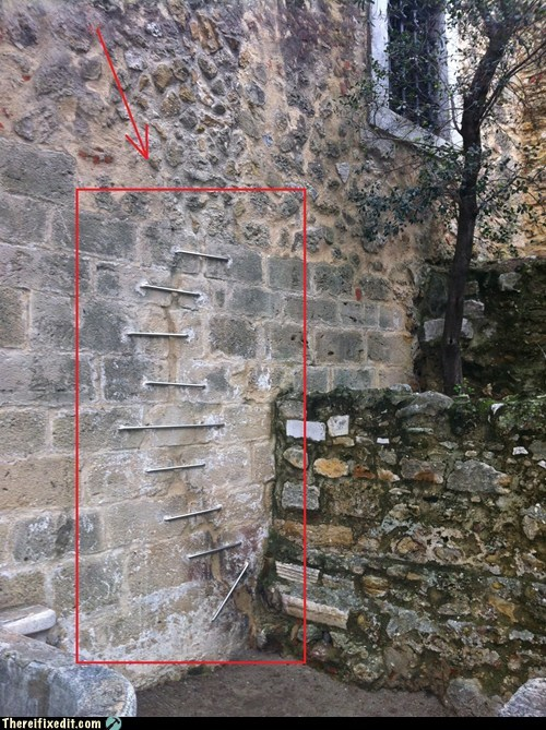 bricks torn apart mortar wall - 6942986240