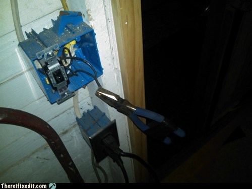 wires,pinch,circuit,electricity,pliers,g rated,there I fixed it