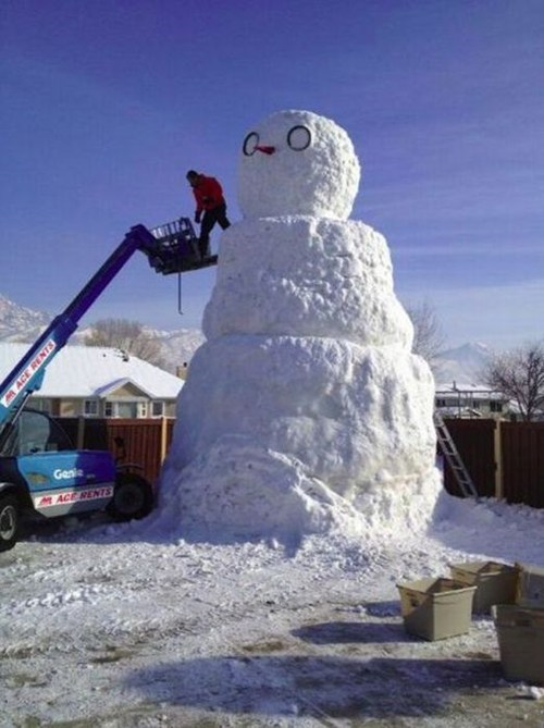 winter,huge,snowman