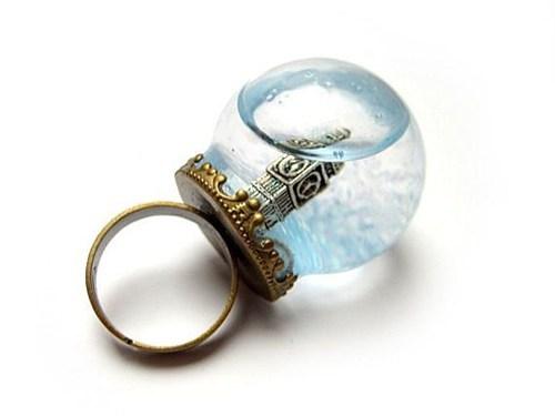 London Jewelry ring snowglobe big ben