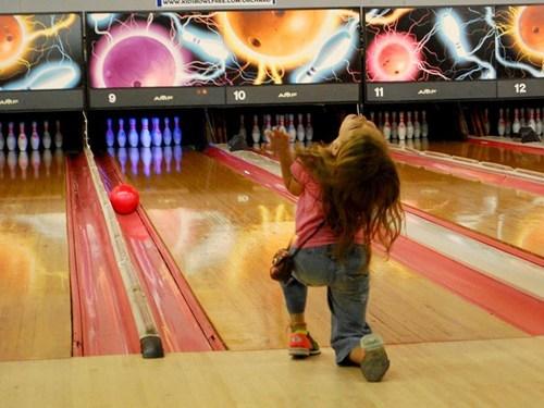 bowling,gutterball