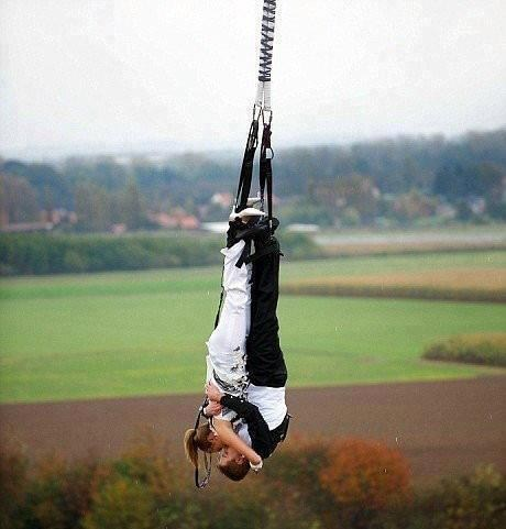 bungee jump KISS extreme upside down - 6981785088