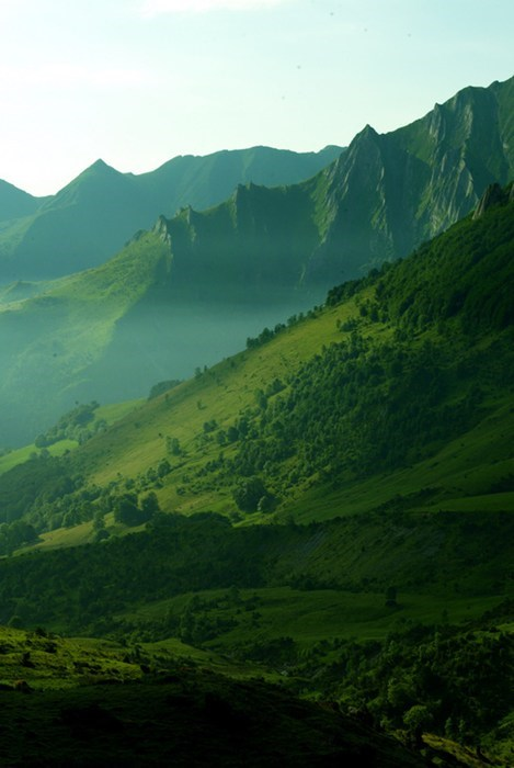 green,gotta go fast,landscape,mountains,pretty colors
