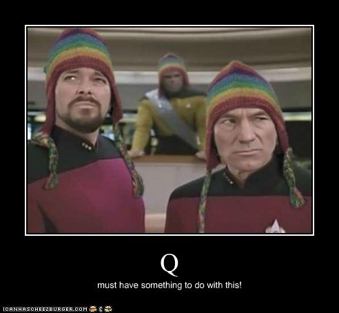 Michael Dorn william riker Worf Captain Picard hats Jonathan Frakes Star Trek Q patrick stewart