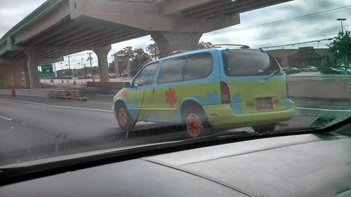 minivan,scooby doo,mystery machine,paint job