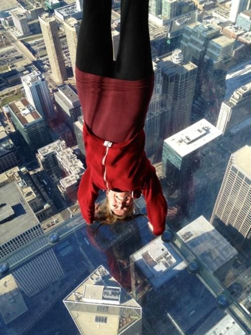 handstand perspective vertigo illusion - 6992310528