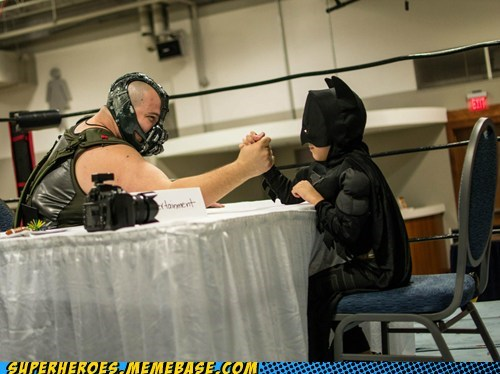 arm wrestle,bane,costume,batman