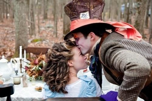 alice in wonderland alice mad hatter love - 7017159680
