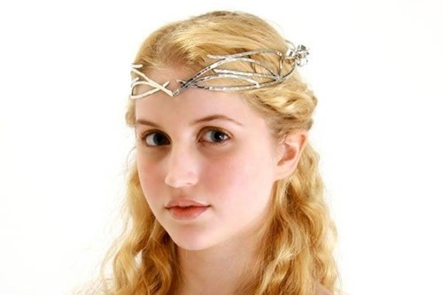 You Need Seriously Perfect Posture to Pull Off the Galadriel Look