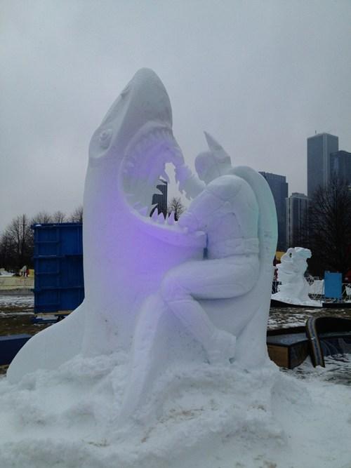 batman snow nerdgasm sculpture winter - 7017712384