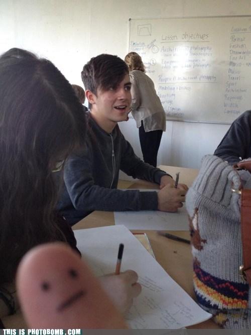 class,school,thumb war