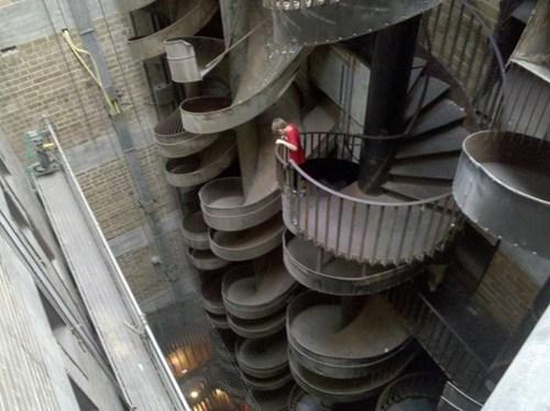 slide,stairs,whee,museum