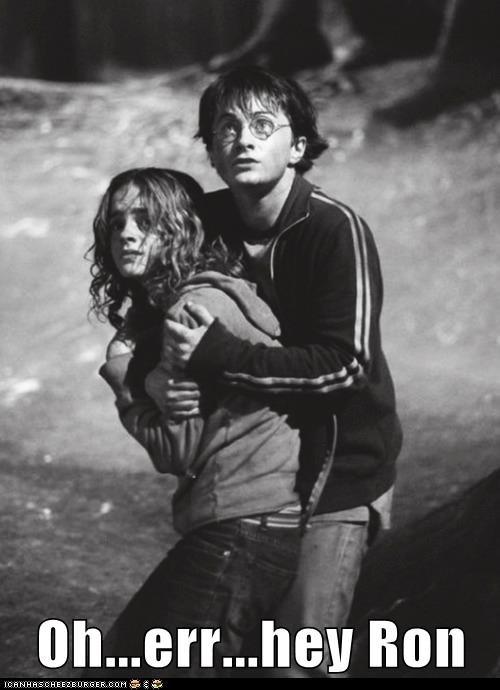 Harry Potter Daniel Radcliffe hermione granger Awkward hugging emma watson - 7027011584