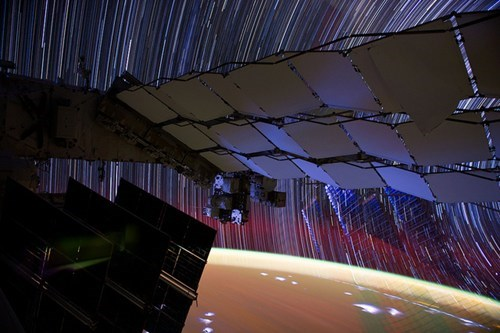 ISS,star trails,exposure time,space