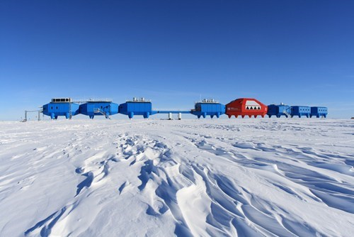 halley vi antarctica research station science - 7040691200