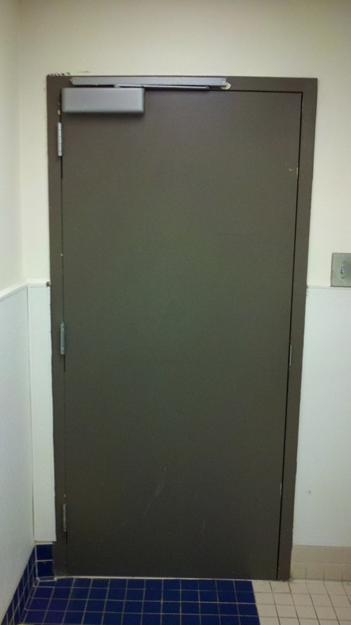 door,whoops,bathroom,handle