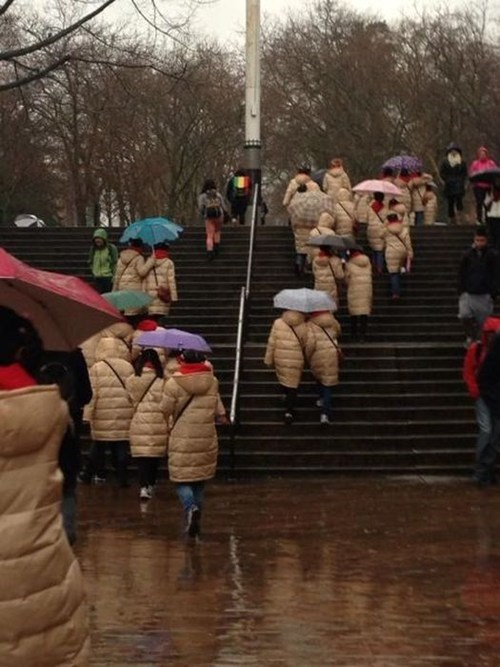 coats,umbrellas,same outfits
