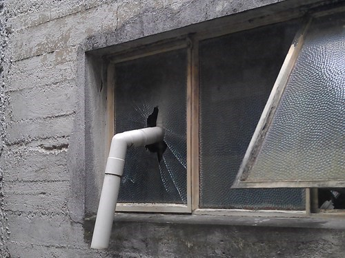 pvc pipe,broken window