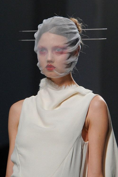 runway gareth pugh fashion style - 7067367680