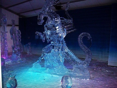 queen,Aliens,ice sculpture,xenomorphs
