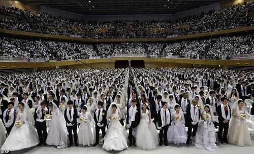 moonies massive ceremony crowd - 7075196672
