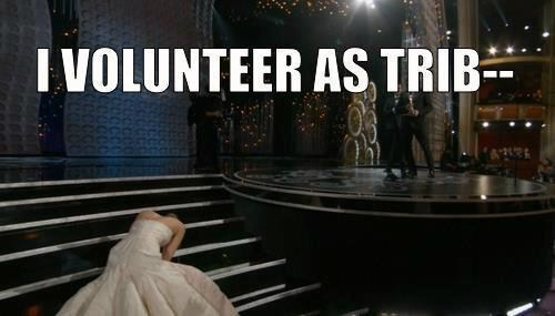 tripping jennifer lawrence hunger games oscars 2013 - 7093689344