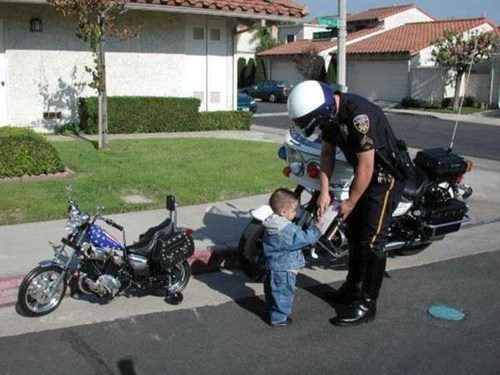 harley davidson,speeding ticket,motorcycle,traffic stop