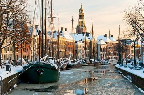 cityscape,winter,frozen
