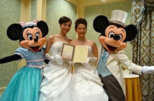 same-sex,disney,mickey mouse,tokyo