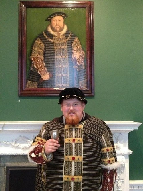 lookalike totally looks like henry VIII historic - 7114427904