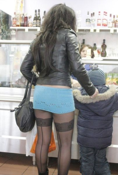 skimpy,milfs,skirts