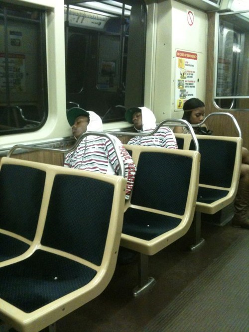 public transportation,twins,same outfits