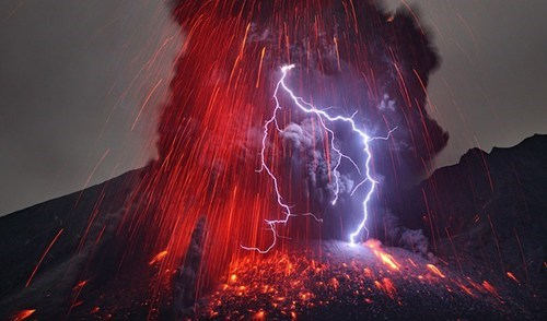 Capturing the Volcanic Eruption in Japan