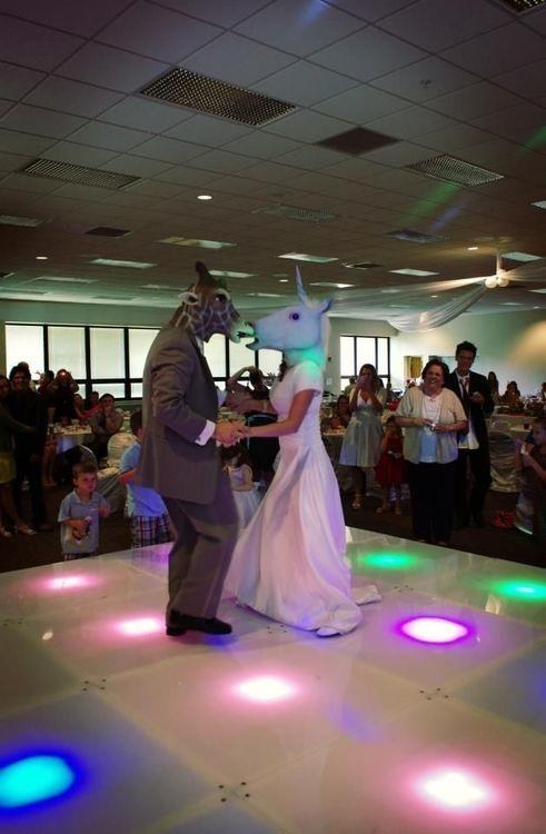 unicorns masks first dance giraffes - 7138694400