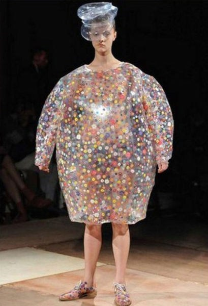 wtf bubble wrap runway fashion - 7147789824