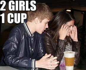 justin beiber 2 girls 1 cup - 7150617600