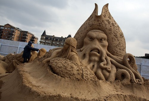 sand castle art sculpture Pirates of the Caribbean - 7187545600