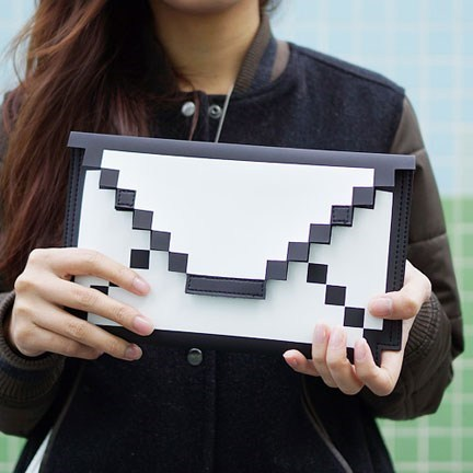 fashion bag pixels mail