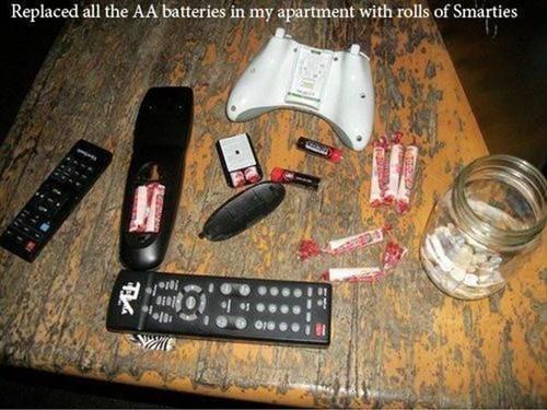 smarties remote controls batteries pranks - 7255171328