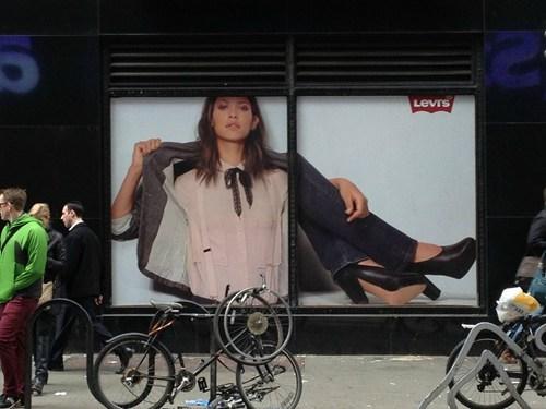 advertisement fashion billboard - 7267837952