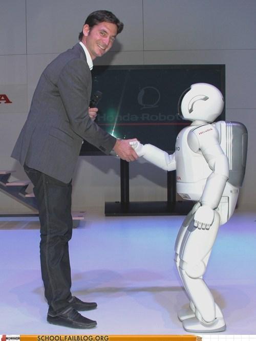 Standing - A HOnda Robot DA SCHOOL FAILBLOG.ORG