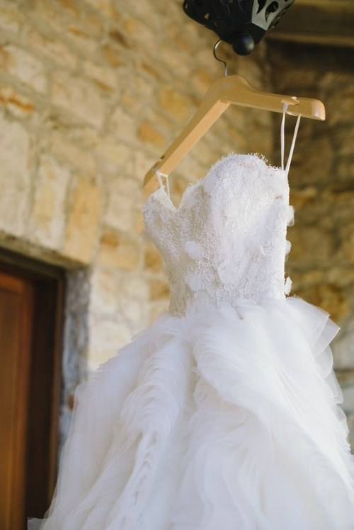 hanging wedding dresses pretty - 7322901760